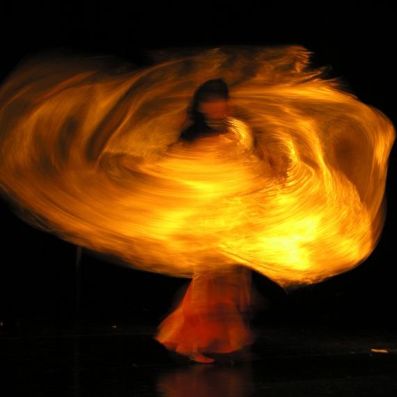 Belly Dancing via flickr by Krisztina.Konczos
